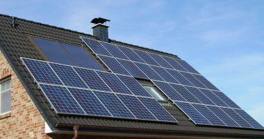Prosumatorii pot monta mai multe panouri fotovoltaice