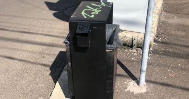 """Noi coşuri de gunoi, în mai multe zone din Constanţa. """"Nu le vandalizaţi!"""""""