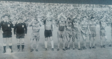 Arhiva de Aur Cuget Liber. Steaua stinge Farul: 5-0. Primul gol, marcat de un fost marinar, Cristi Mustacă