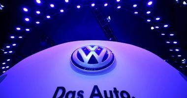 Volkswagen își modifică sigla!