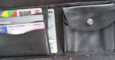 Pățania unui turist din București pe litoral: și-a pierdut portofelul, iar jandarmii l-au găsit cu ajutorul Facebook-ului